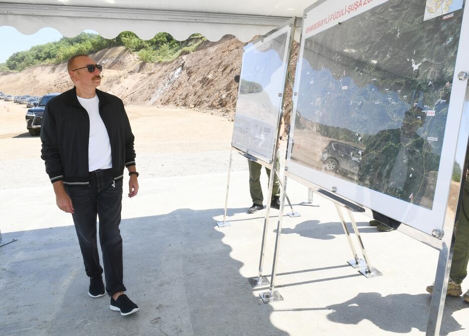 Президент Ильхам Алиев ознакомился со строительством моста на «Дороге Победы»