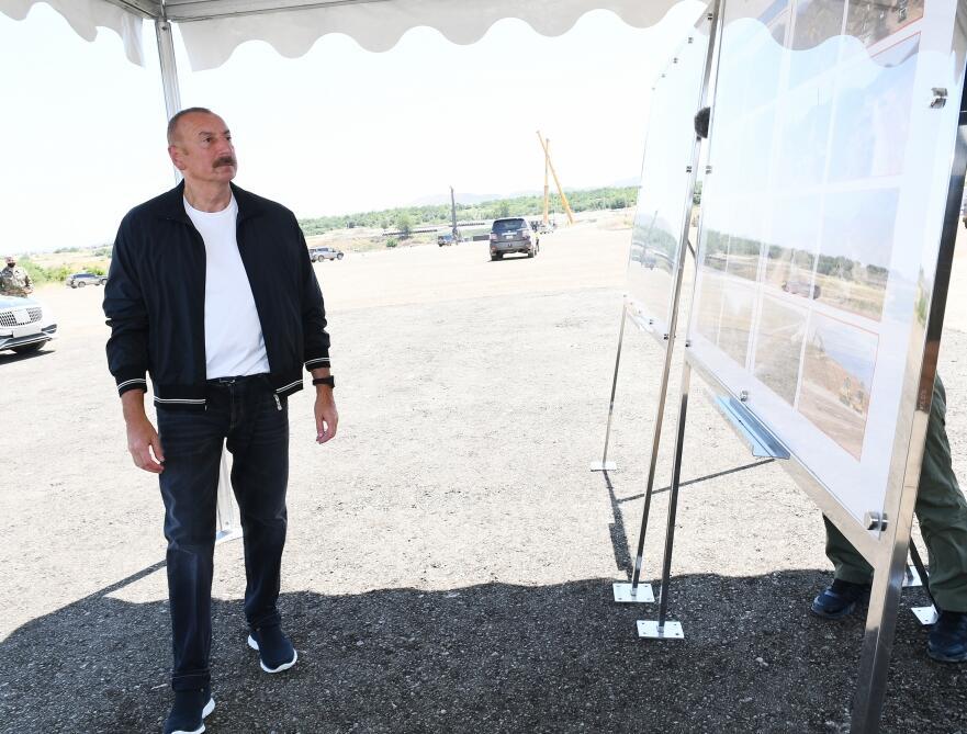 Президент Ильхам Алиев ознакомился с работами, проводимыми на дороге Ахмедбейли-Физули-Шуша и Дороге победы