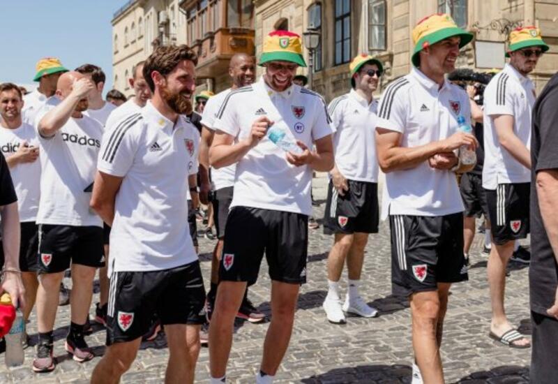 Футболисты сборной Уэльса изучают историю Азербайджана