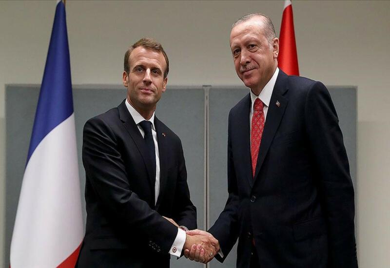 Проходит встреча Эрдогана и Макрона