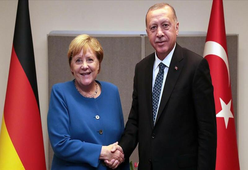 Проходит встреча Эрдогана и Меркель