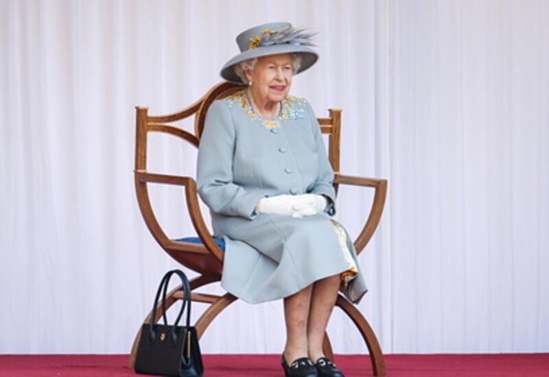 Елизавета II назвала причины отказа от престола