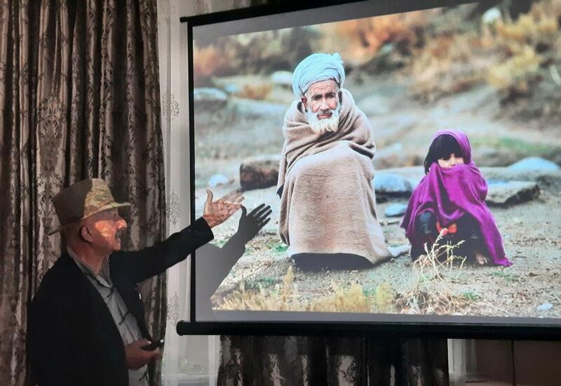 Реза Дегати представил выставку об Афганистане в Баку