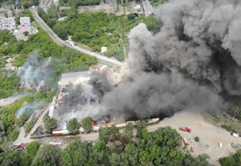 Обрушилась кровля горящего склада в Челябинске