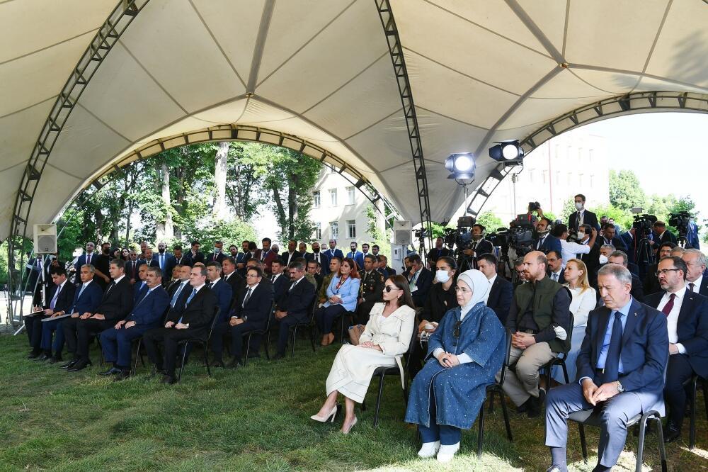 Президенты Азербайджана и Турции выступили с заявлениями для печати