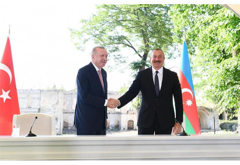 Президент Ильхам Алиев: Турецко-азербайджанское единство, братство вечны!