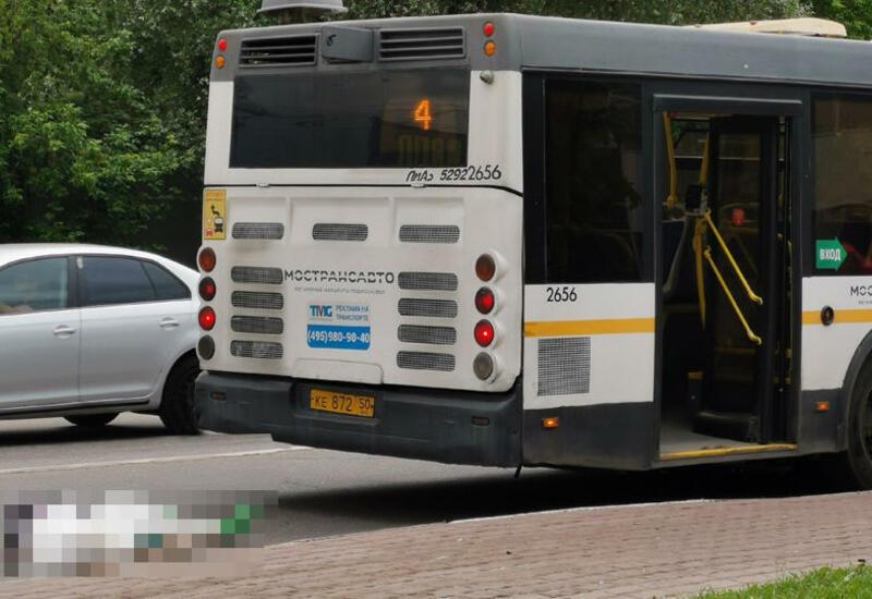 В России автобус насмерть сбил 12-летнюю девочку на самокате