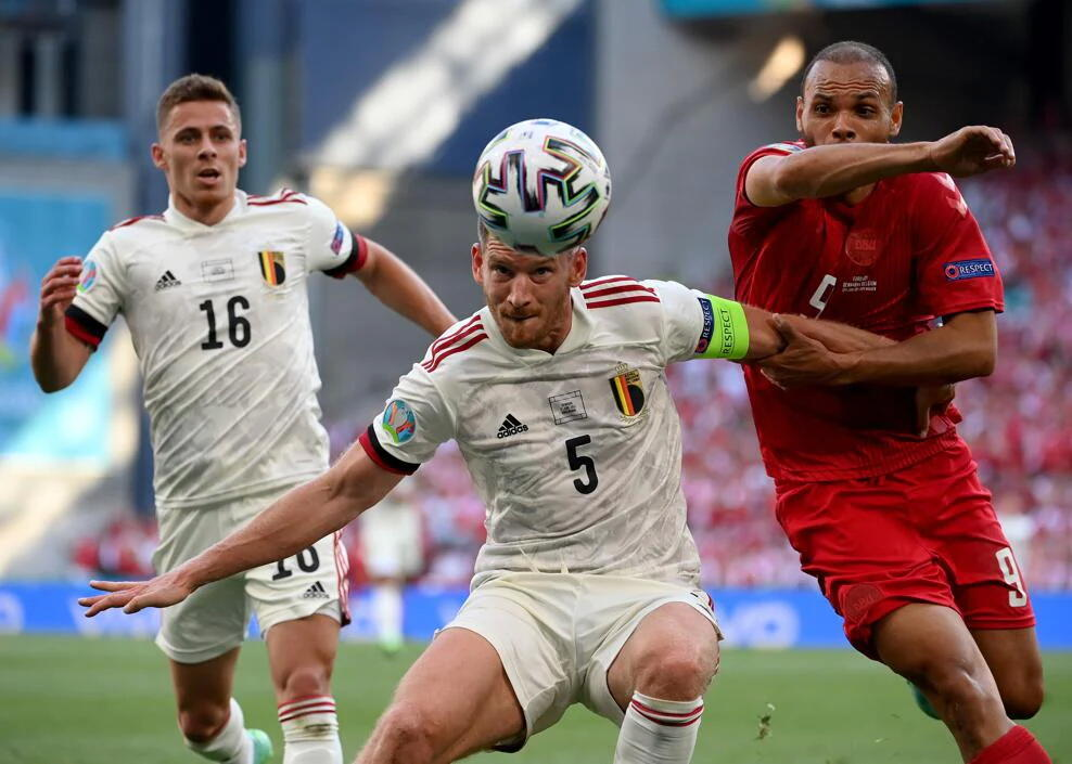 ЕВРО-2020: Дания и Бельгия идут на равных