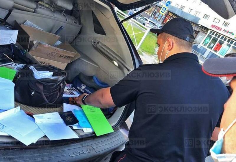 В Петербурге задержали Lexus с полным  багажником поддельных справок о коронавирусе