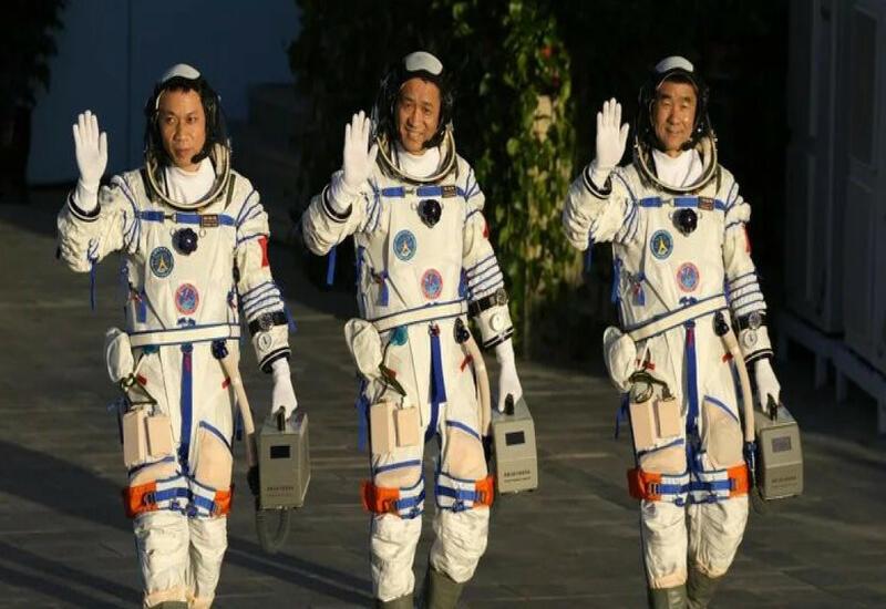 Китай провел успешный запуск корабля с тремя космонавтами