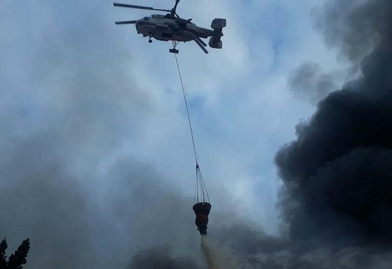 Пожар вблизи Набрана тушат с помощью вертолета МЧС