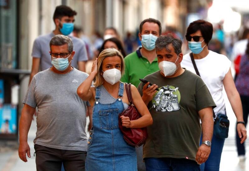 В Испании отменяется обязательное ношение масок на открытом воздухе