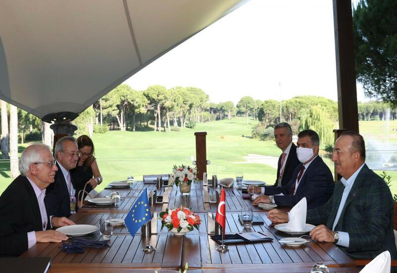 Чавушоглу встретился с верховным представителем ЕС