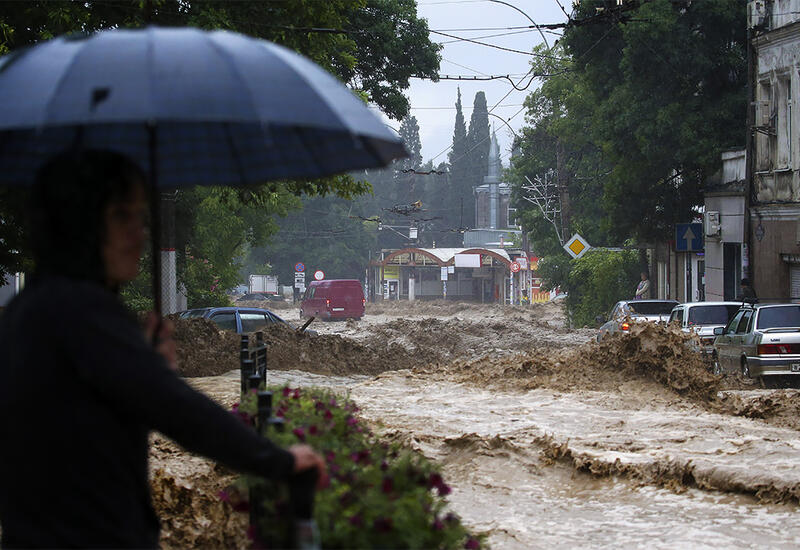 """""""Сносит! Ужас-ужас!"""" - мэр Ялты показала последствия потопа"""