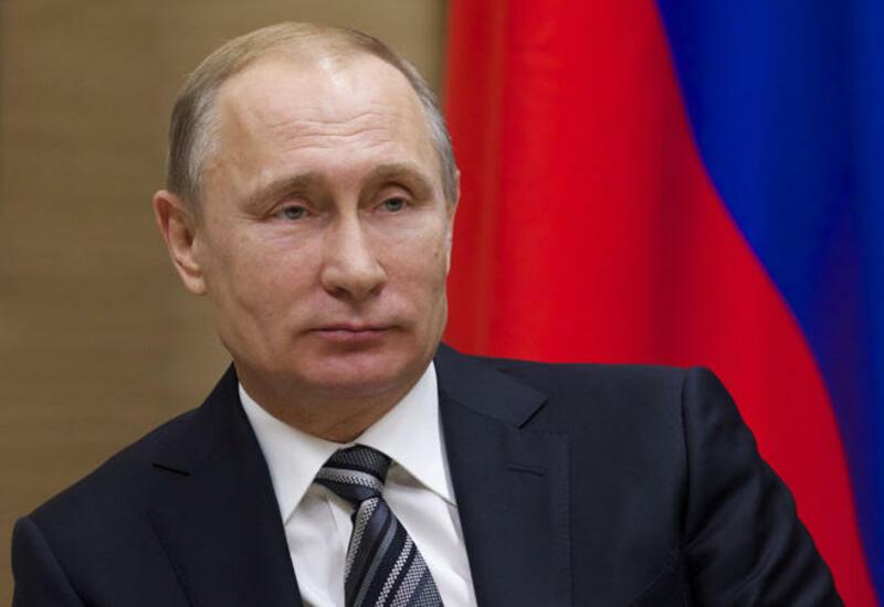 Путин поздравил Раиси с победой на выборах президента Ирана
