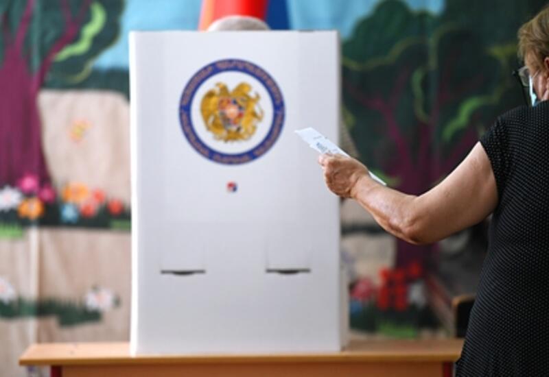 На выборах в Армении задержали бывшего участника КВН