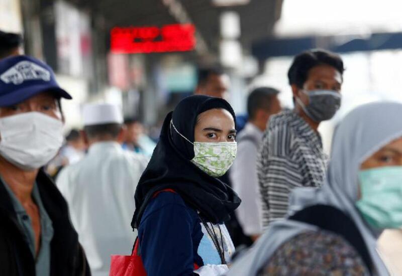 Власти Индонезии ввели новые ограничения из-за активного распространения коронавируса
