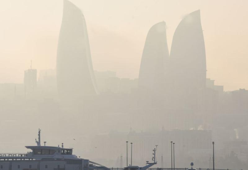 Синоптики сказали, сколько сохранится в Баку пыльный туман