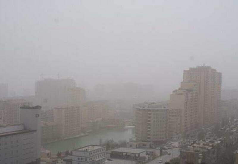 В Баку концентрация пыли превышала норму в 5.1 раза