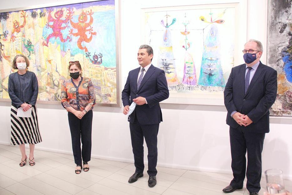 В Бакинском музее современного искусства открылась выставка заслуженного художника Сабины Шихлинской