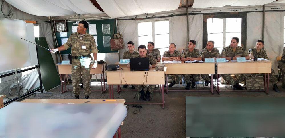В азербайджанской армии проводятся бригадные командно-штабные учения