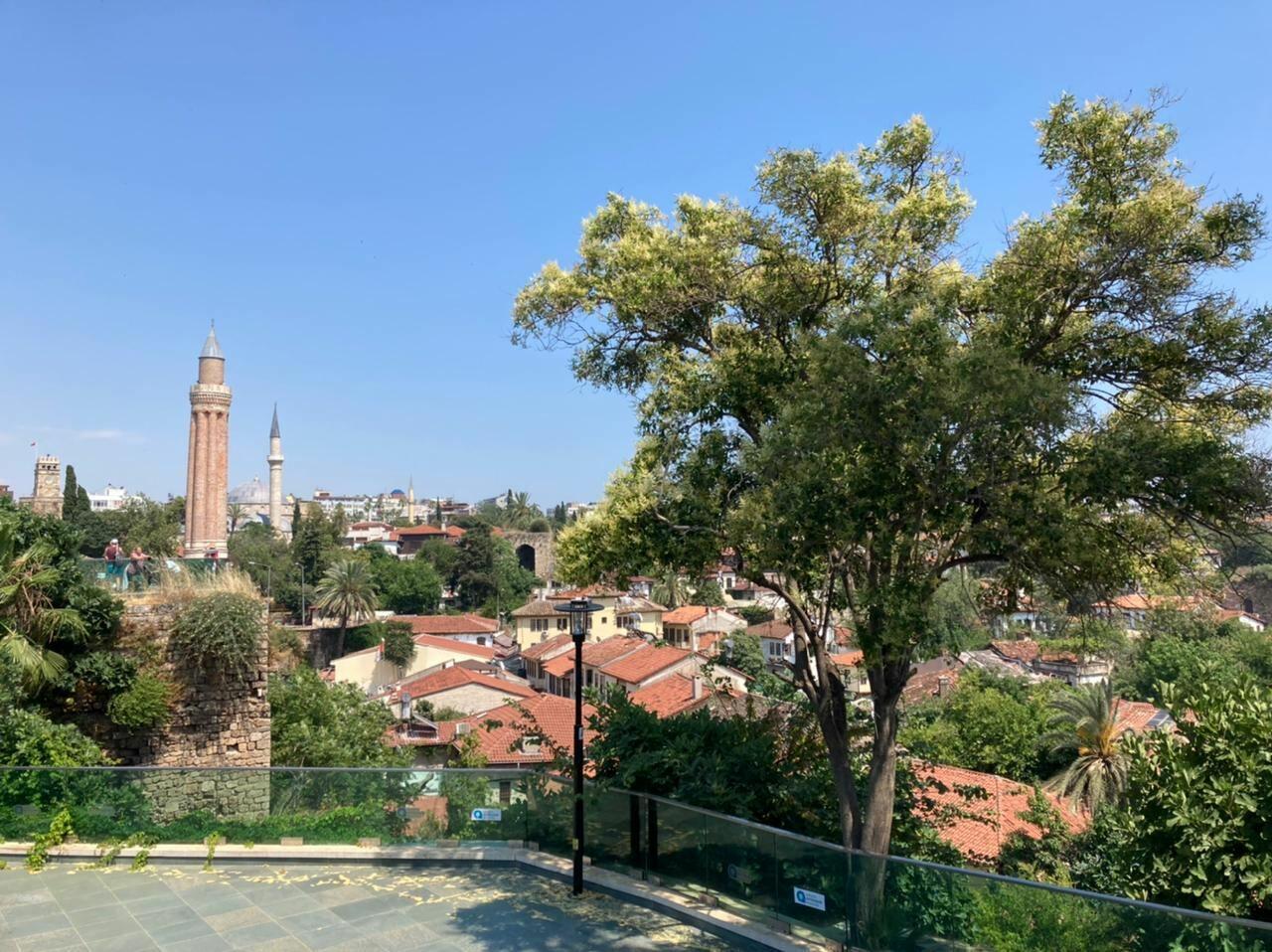 Анталья - одно из самых привлекательных мест для туристов