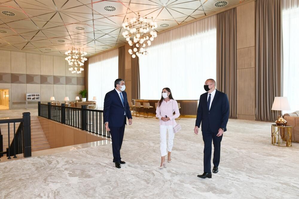 """Президент Ильхам Алиев и Первая леди Мехрибан Алиева ознакомились с условиями, созданными во дворце """"Гюлистан"""" после реконструкции"""