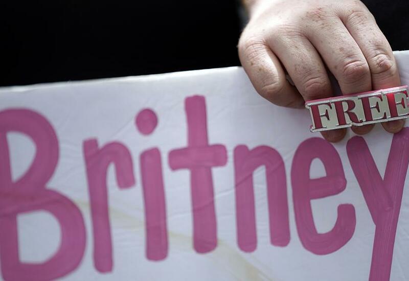 Бритни Спирс обратилась в суд, требуя свободы