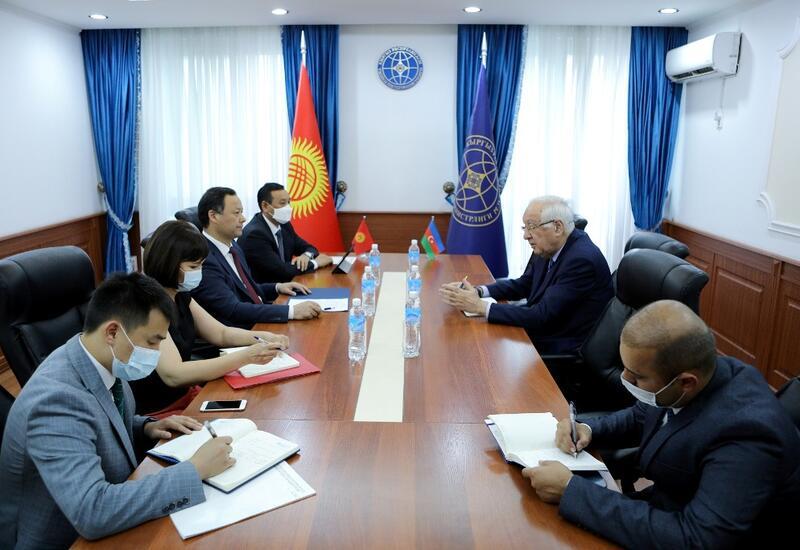 Глава МИД Кыргызстана с визитом посетит Азербайджан