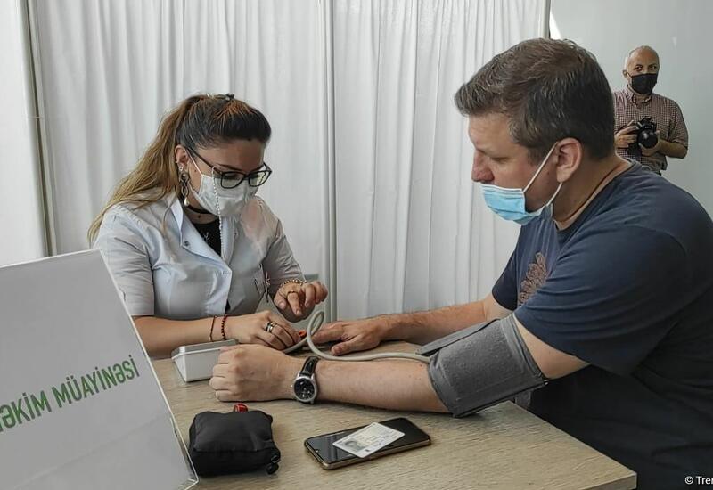 В Баку организована мобильная вакцинация