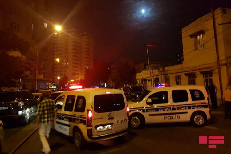 В Баку горит многоэтажное здание