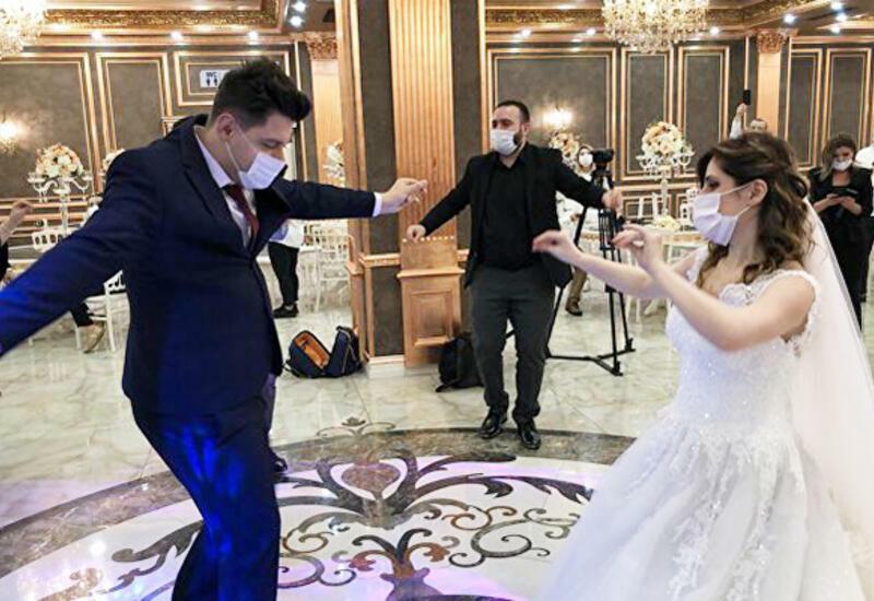 В Азербайджане наказаны владельцы трех домов торжеств