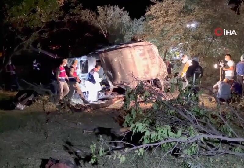 Жуткое ДТП в Турции - 12 человек погибли и 20 ранены