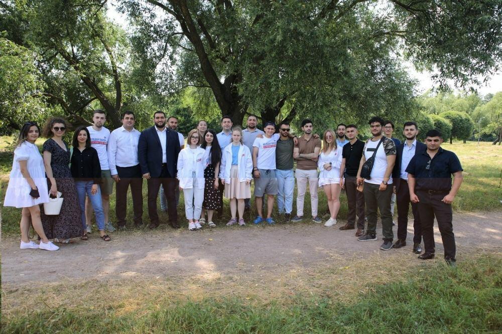 По инициативе председателя АМОР Лейлы Алиевой состоялся Межрегиональный форум этой организации