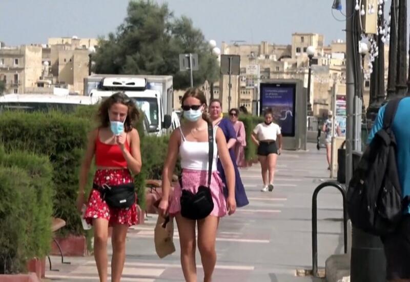 Мальта: на остров пустят без прививки, но отправят на карантин