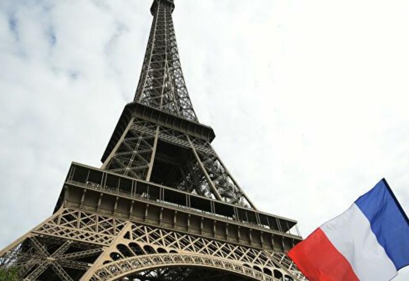 Эйфелева башня открылась для посетителей после почти девятимесячного перерыва