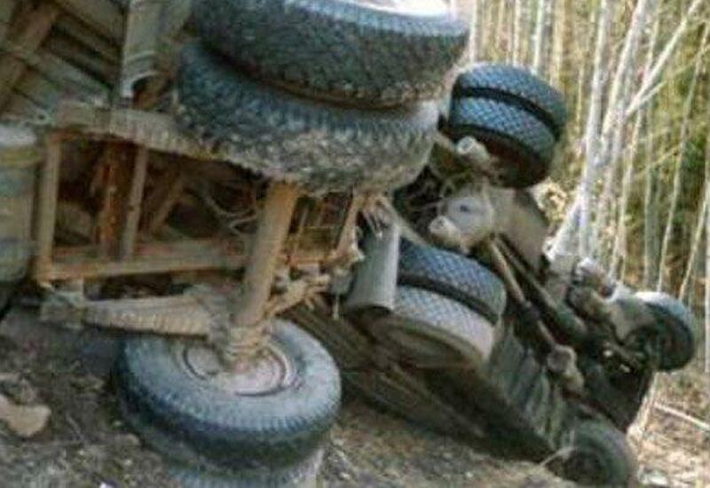 В Гёйгёле перевернулся автомобиль внутренних войск МВД