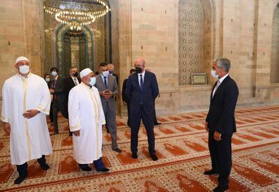 Президент Европейского совета посетил шамахинскую Джума-мечеть - ФОТО