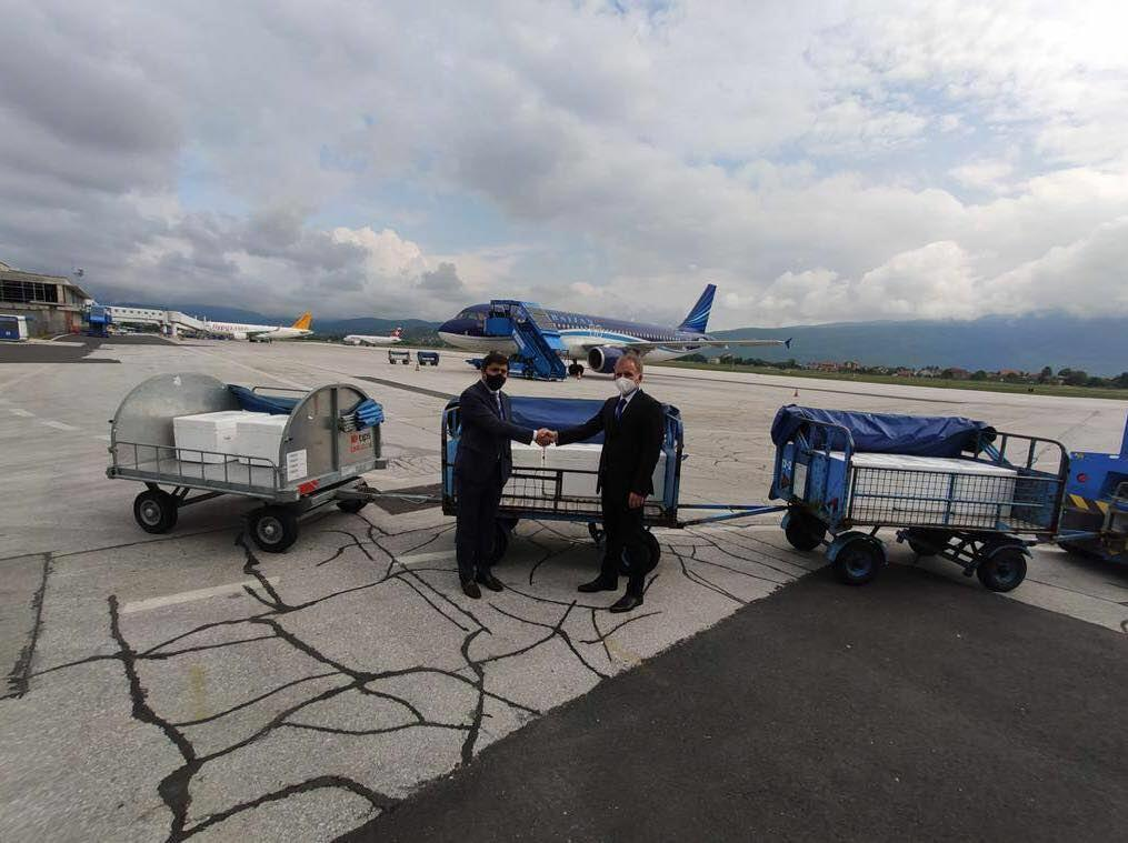 Самолет AZAL доставил в Боснию и Герцеговину вакцины против коронавируса