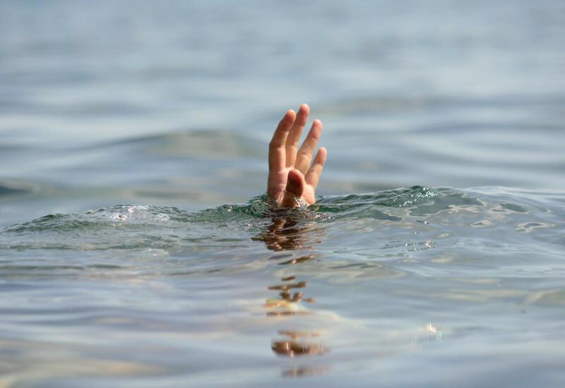 В Билясуваре подросток утонул, спасая двоюродного брата