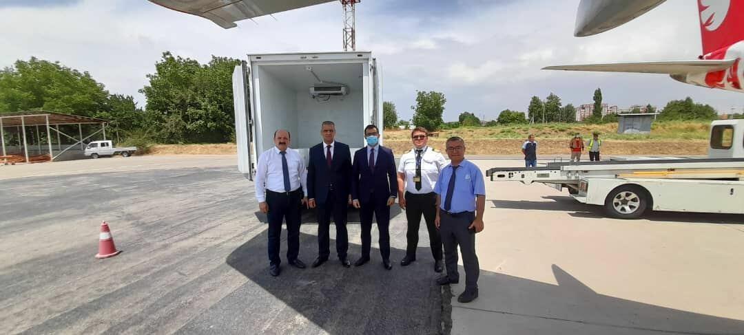 Азербайджан отправил в Таджикистан 40 тыс. доз вакцины AstraZeneca