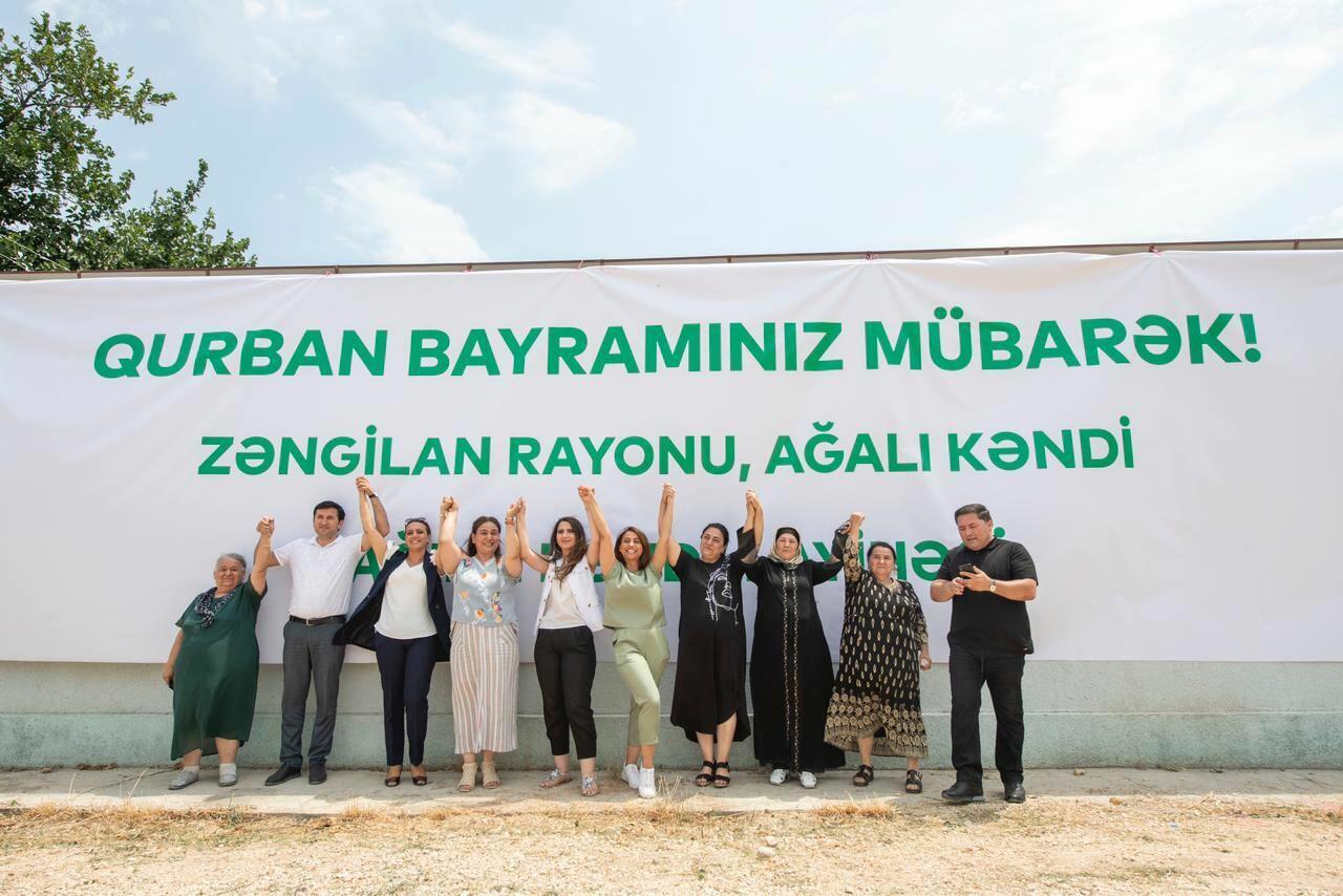 Уроженцы села Агалы Зангиланского района в праздник Гурбан совершили обряд жертвоприношения на родной земле