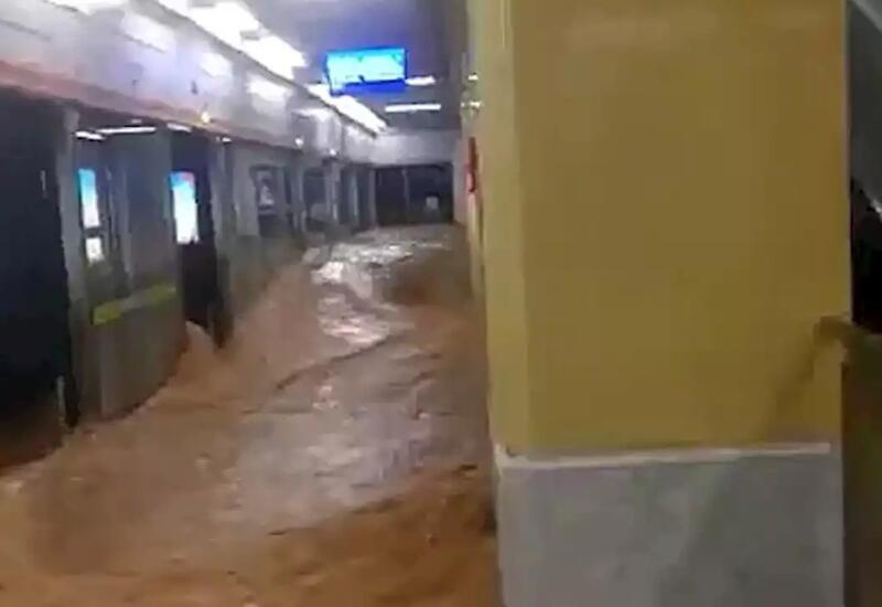 В Китае затопило метро