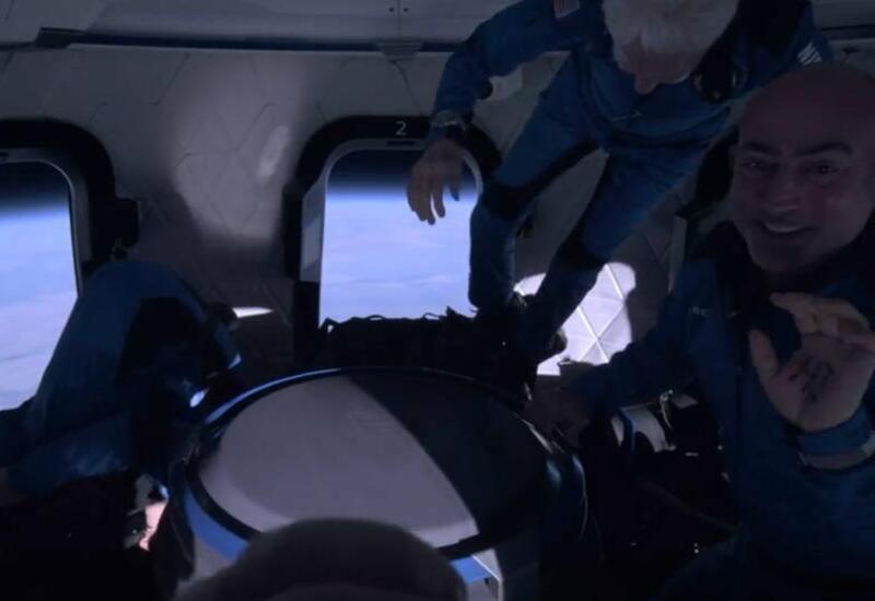 Основатель Amazon показал кадры, снятые им в космосе