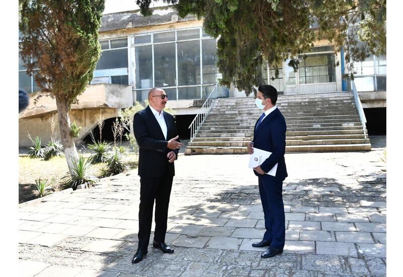 Президент Ильхам Алиев ознакомился с Нафталанским городским аэропортом