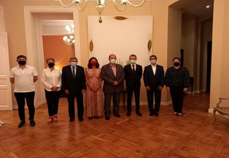 Депутаты парламента Франции находятся с визитом в Азербайджане