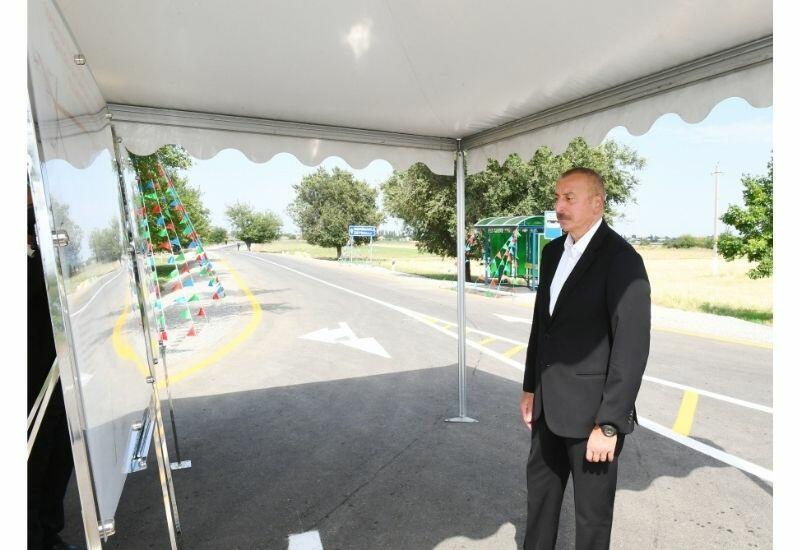 Президент Ильхам Алиев принял участие в открытии автодороги Алирзалы-Хан Гервенд-Сафикурд-Тапгарагоюнлу в Геранбое
