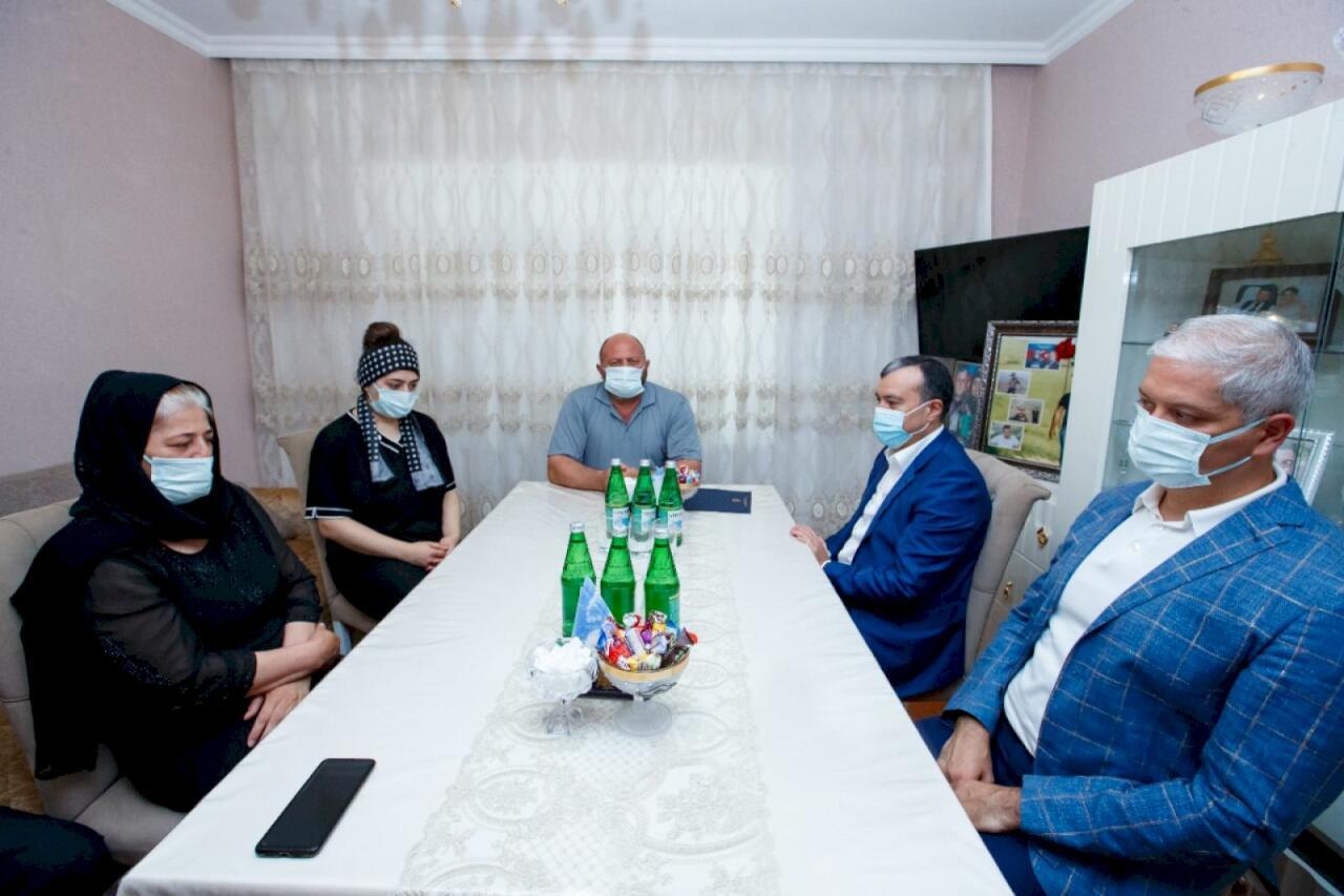 От имени Президента Ильхама Алиева семьям погибших в Кельбаджаре журналистов подарены квартиры