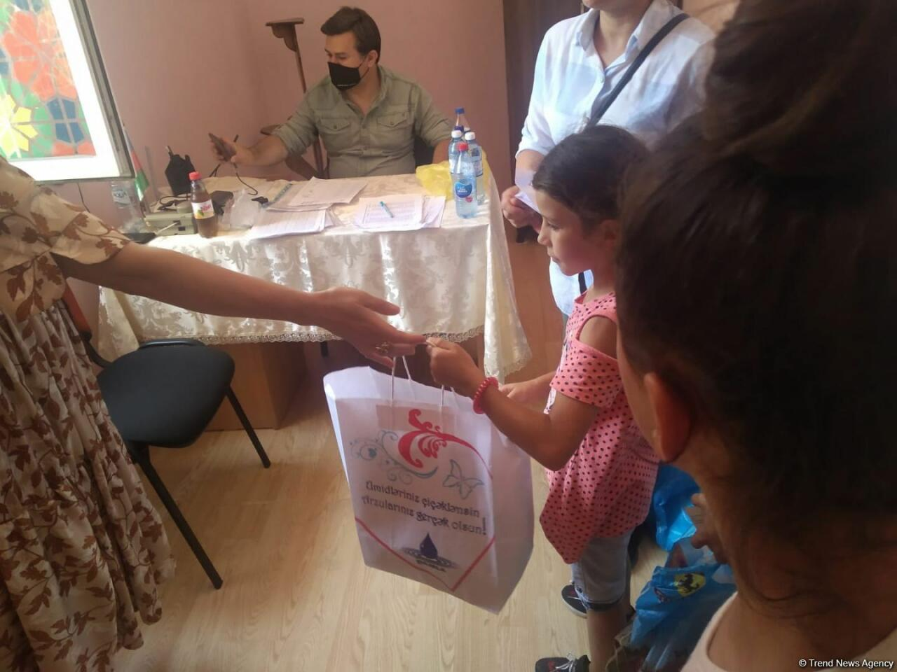Deputat Sevil Mikayılovanın təşəbbüsü ilə Xudatda Qurban bayramı sovqatı paylanılıb