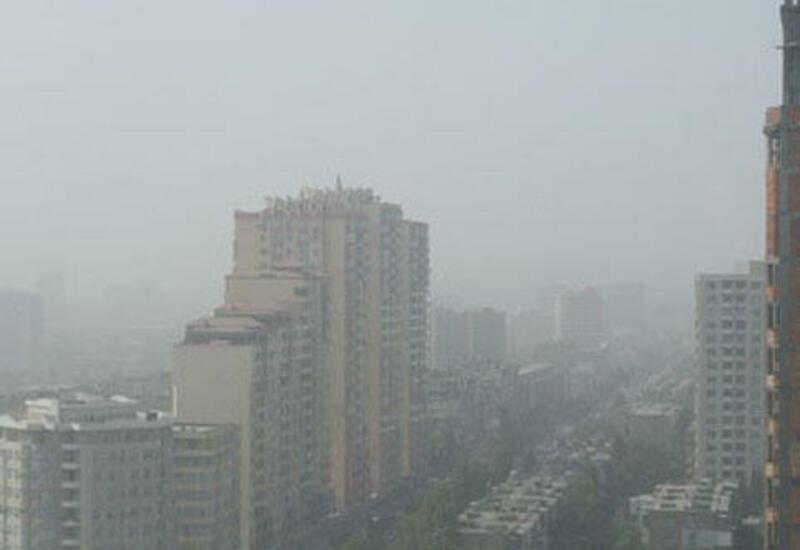 В Баку и на Абшероне наблюдается пыльный туман